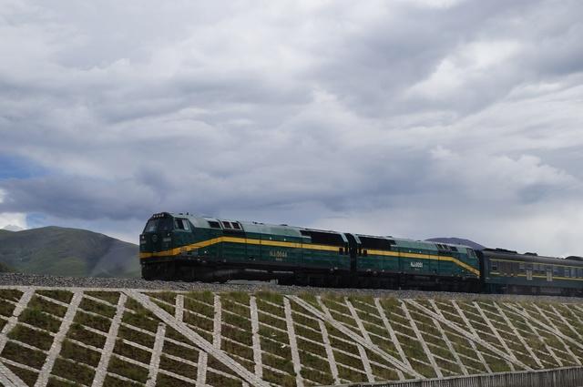 Een nieuwe spoorlijn wordt geopend