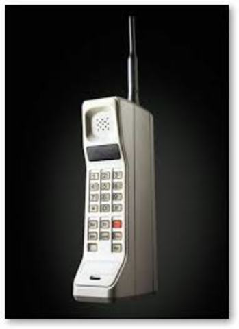 First Handheld Portable Cellphone