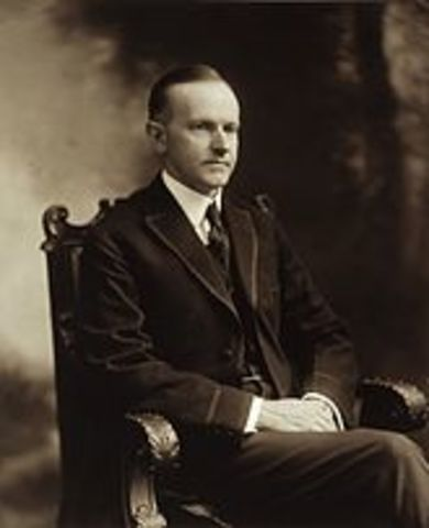 Calvin Coolidge is elected president