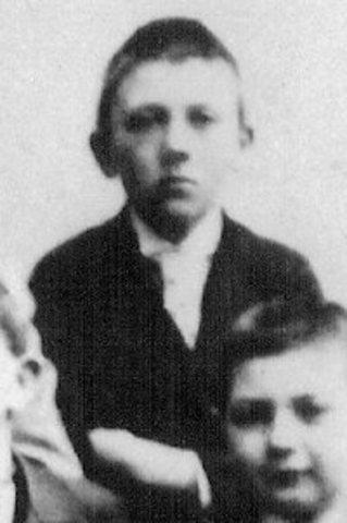 Edmund Hitler Dies