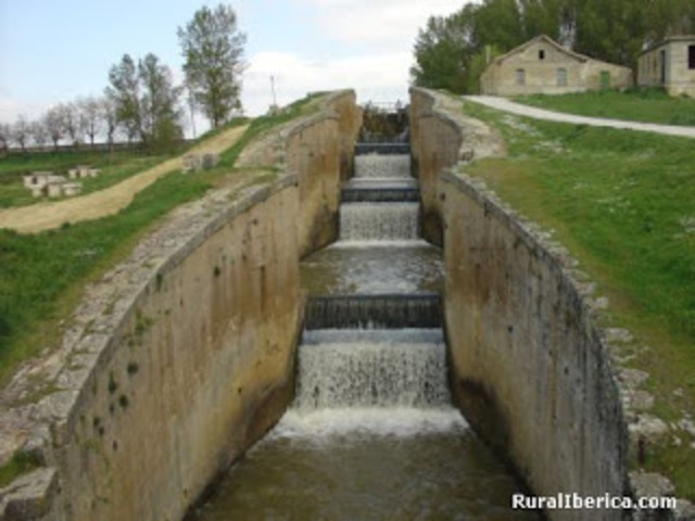 (1)Canal de Castilla