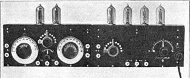 E.H. Armstrong perfecciona el radio receptor superheterodyne.