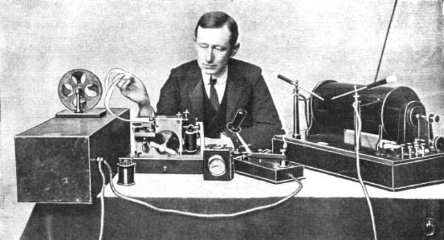 1ra comunicación por radio entre Inglaterra y Francia