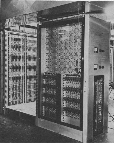 1º Generación de ordenadores con válvulas de vacío