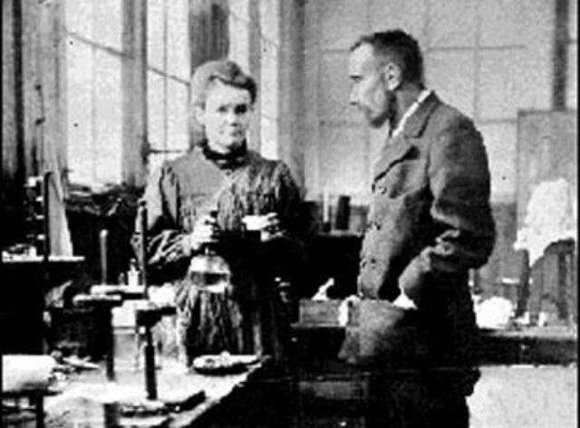 Los esposos Curie descubren el polonio
