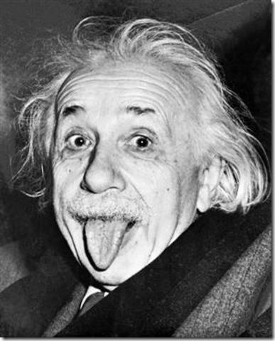Einstein publica la teoria de la relatividad