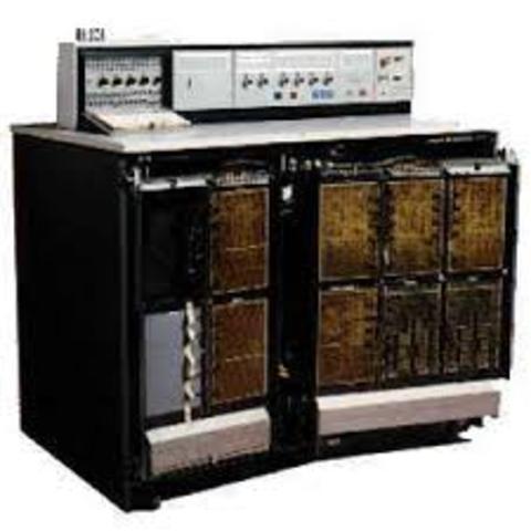 Tercera computadora (generación 3).