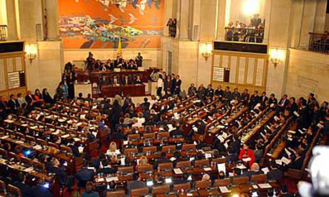 Es necesario imponer límites a las reformas de la Constitución, dice Mauricio González Cuervo