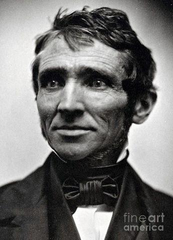 Charles Goodyear inventa el proceso de vulcanización del caucho.