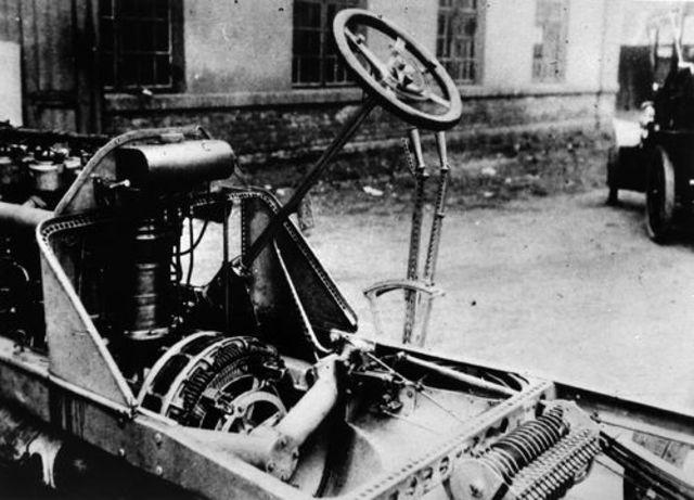 Invención del motor de cuatro tiempos