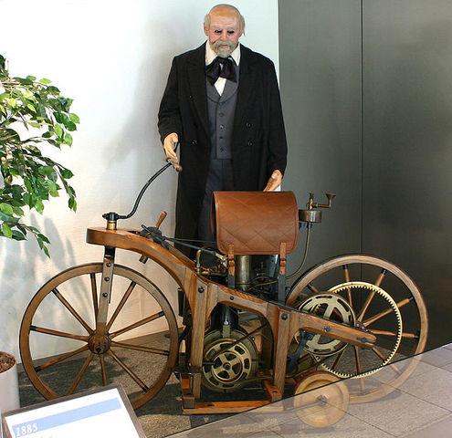 Invención de la motocicleta de gas