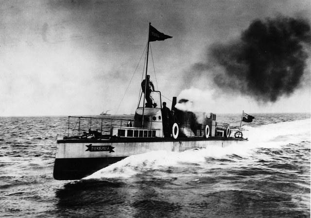 Barco hecho de hierro