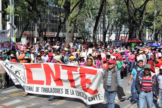 MARCHA DE LA CNTE CONTRA REFORMA EDUCATIVA 2016