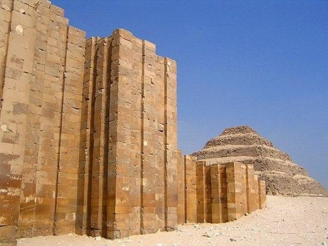 Ingeniería Egipcia - Muro Ciudad De Menfis