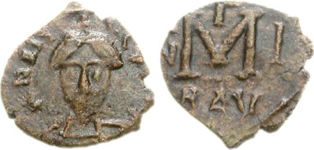 Astolfo, rey de los lombardos, conquista Rávena.