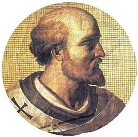 Otón III fija su capital en Roma.
