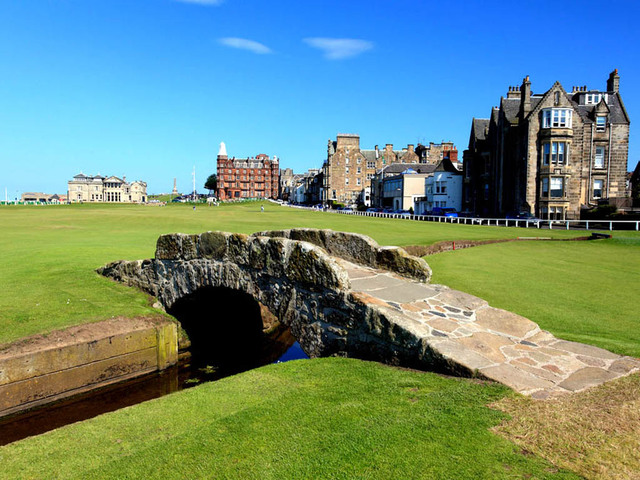 Legendary St. Andrews Golf Club is formed in Scotland