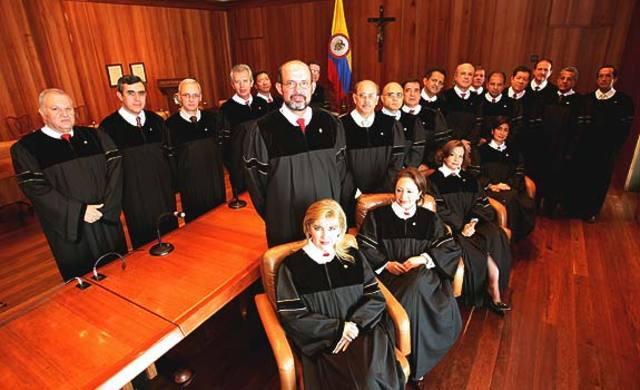 Si la Corte lo pide, Gobierno cambia la terna para fiscal