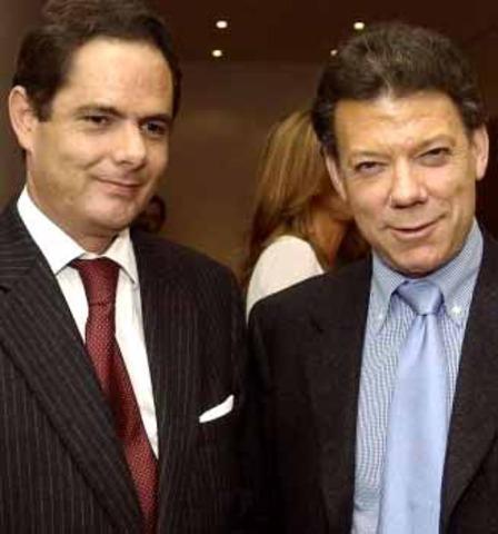 'El presidente Santos fue víctima, no coautor de las chuzadas': Vargas Lleras
