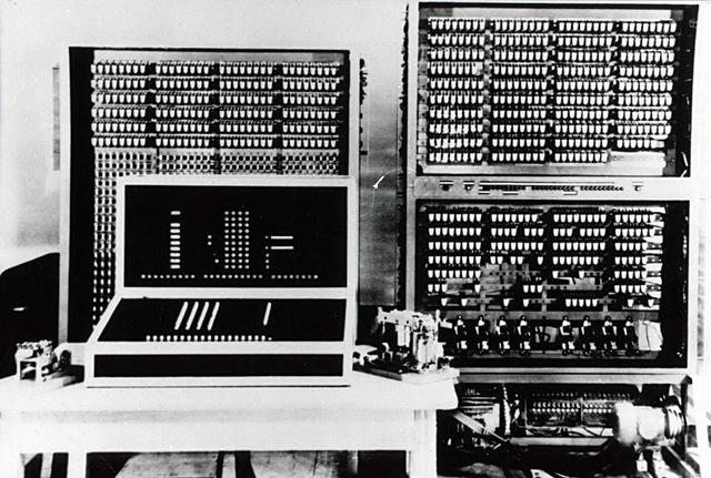 Konrad Zuse termine l'ordinateur Z3