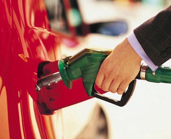 Distribuidores de combustibles piden revisar el ajuste en precio de gasolina (parte 1)