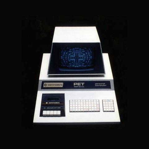 Le Commodore PET (Personal Electronic Transactor) a introduit