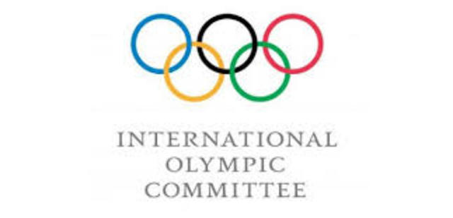 The International Olympic Committee (IOC) votes in favour of golf returning to the 2016 Olympics in Rio de Janeiro.
