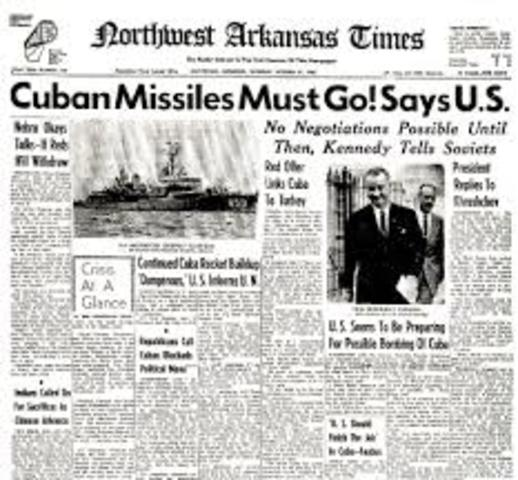 Khrushchev agrees and removes the missiles