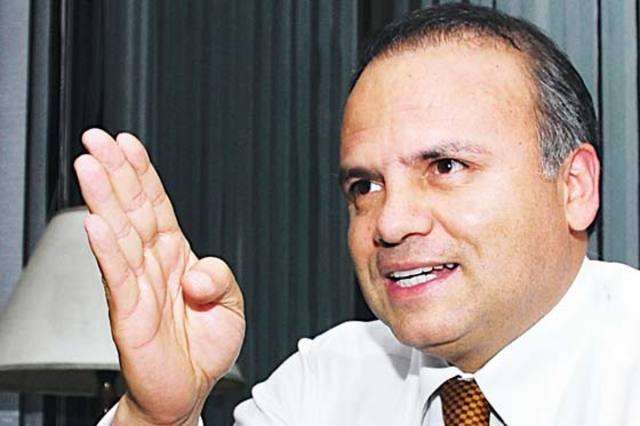Contralor de Bogotá pasó de acusado a acusador