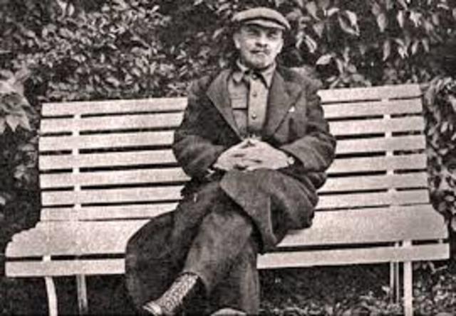 Lenin tries but fails