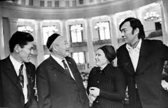 Сабит Муканов - кандидат в депутаты Верховного Совета Казахской ССР