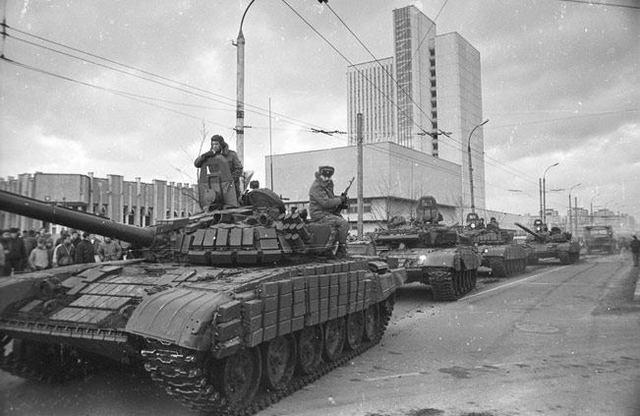 The Soviets take Vilnius, Lithuania.