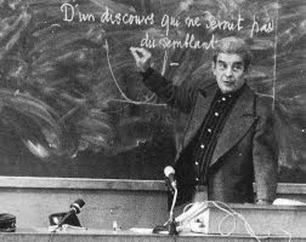 Lacan funda la Escuela Freudiana de París.