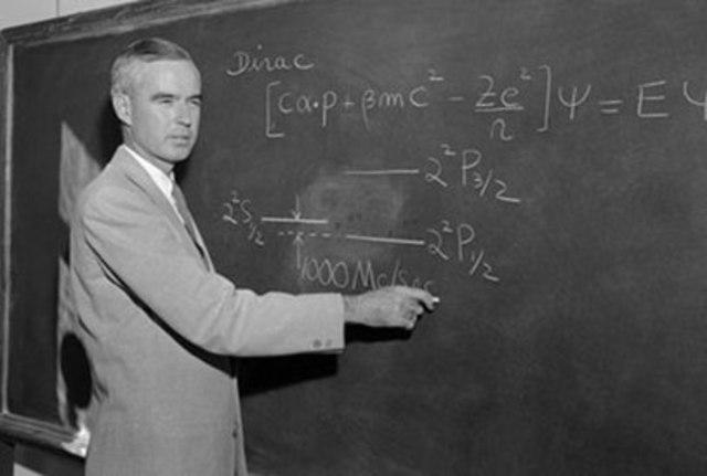 Уиллис Лэмб был удостоен Нобелевской премии по физике «за открытия, связанные с тонкой структурой спектра водорода».