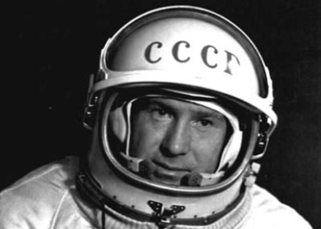 El primer paseo espacial