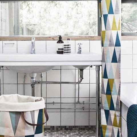 """""""Livet i badeværelset"""" af Klaus Rifbjerg"""