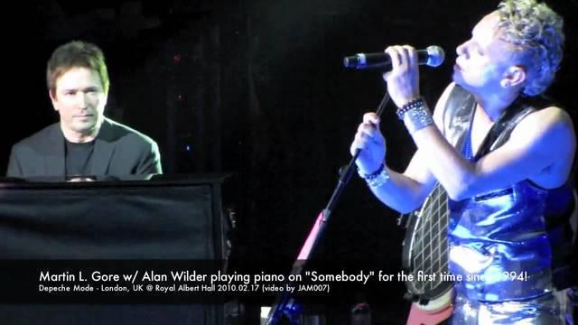 Алан на концерте в Лондоне