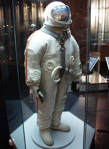Второй полёт человека в космос