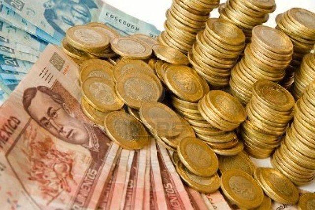 El gobierno fijó el tipo de cambio en $12.5 por dólar y dicha paridad duró 22 años.