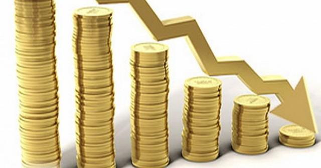 Comenzaron grandes devaluaciones del peso, caos en los mercados financieros, y la desaceleración abrupta de la actividad económica.