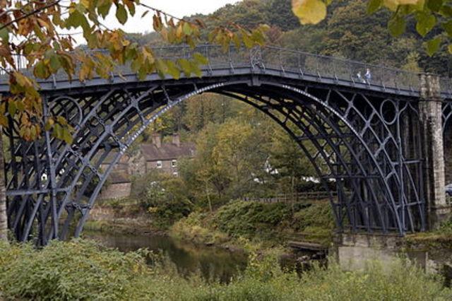 Primer Puente De Hierro En La Historia