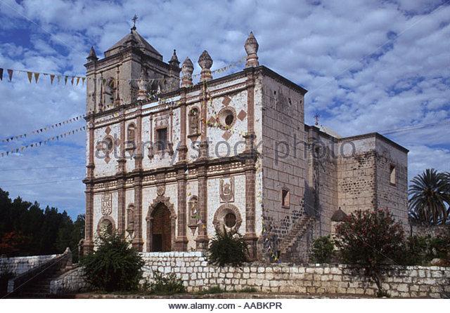 Sistiagak eta Luyandok San Ignacio Kadakaamán misioko eliza fundatzen dute.