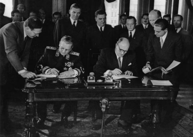 Rechazo Soviético (Kominform) 22-27 de septiembre de 1947