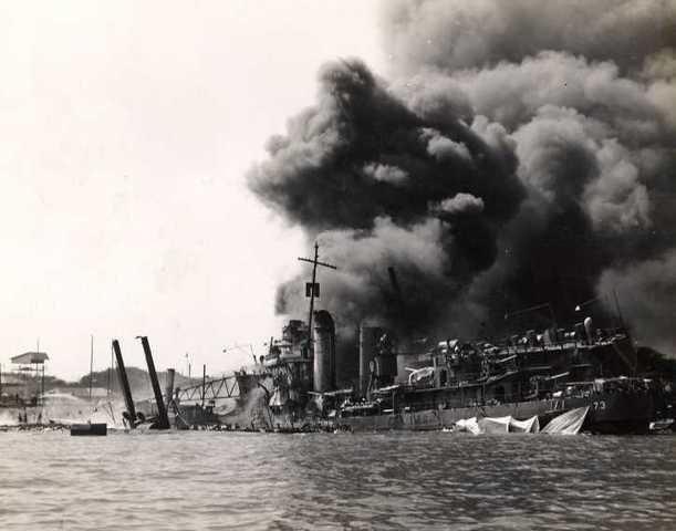 Japan anfaller Pearl Harbor