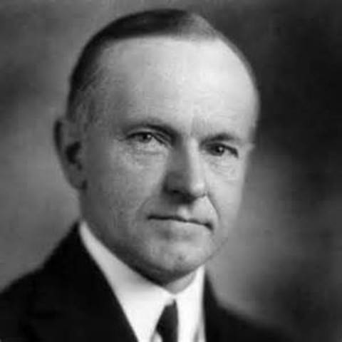 President Harding dies and is succeeded by vice president, Calvin Coolidge.