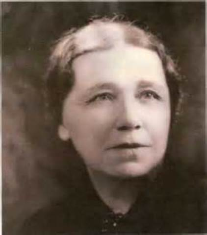 Hattie Wyatt Caraway is the first woman elected to the U.S. Senate