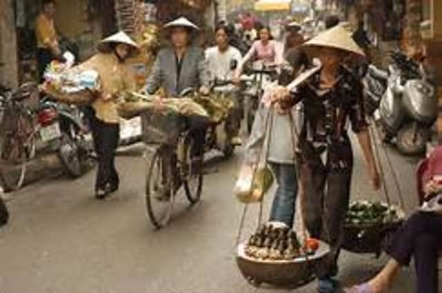 U.S. establishes full diplomatic relations with Vietnam
