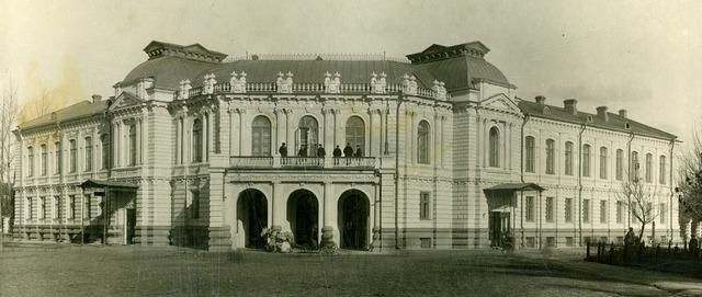 Передача здания бывшего Дворянского собрания театру
