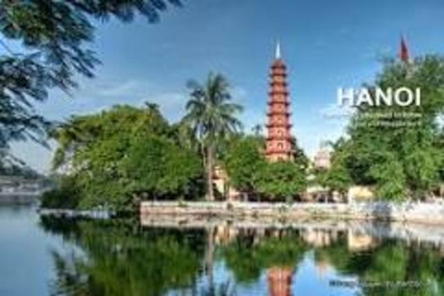 Viet Minh capture Hanoi and form North Vietnam