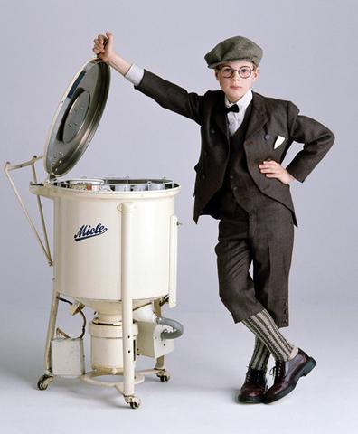 Первая электрическая посудомоечная машина.